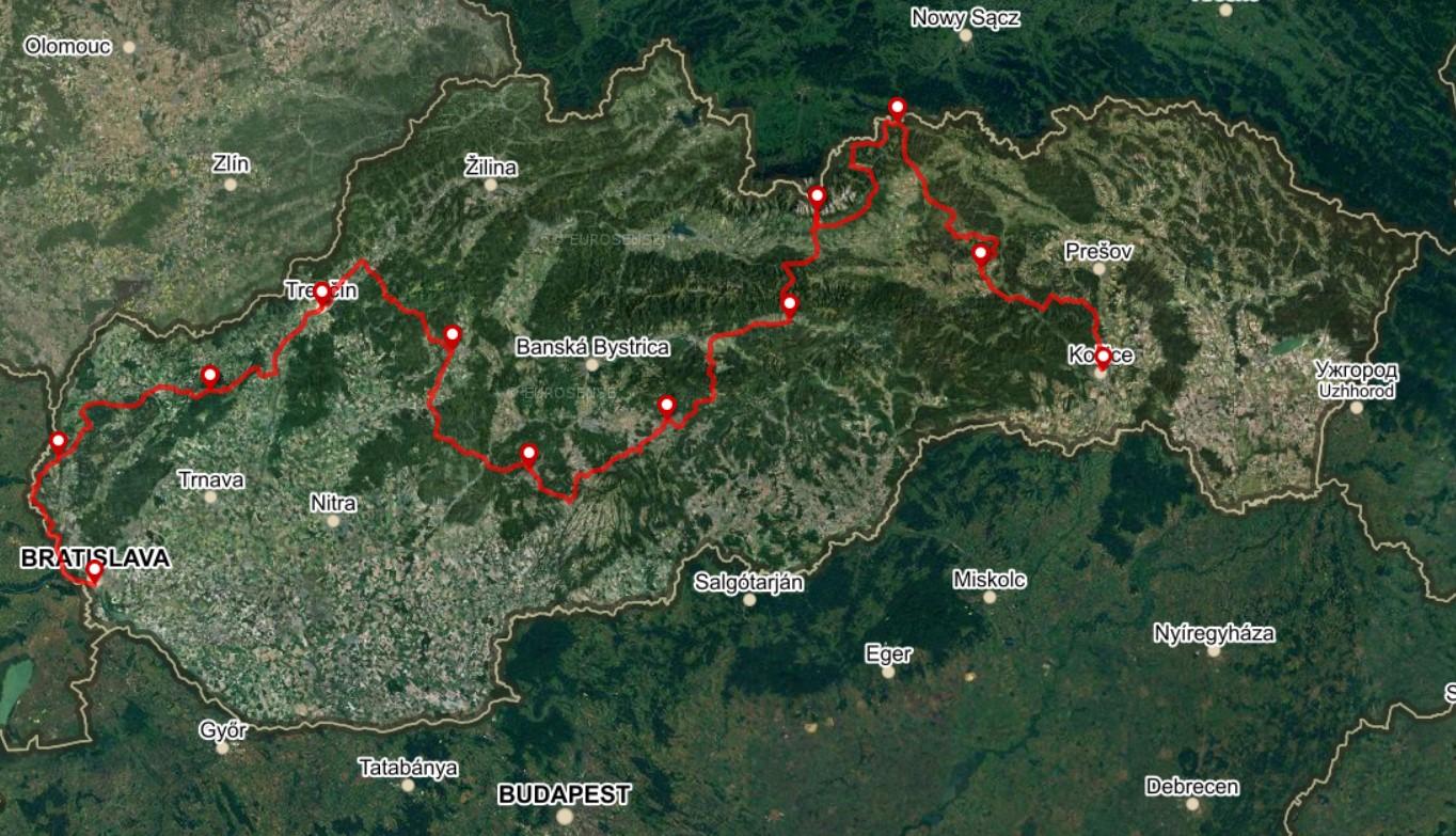 Cestná trasa, 11 etáp, 780 km, +9 200 m